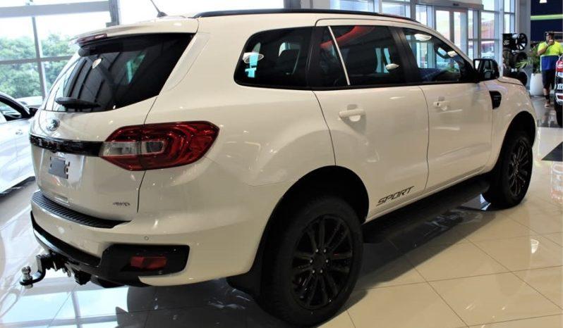 Bên Hông Xe Ford Everest Sort 2021 mới