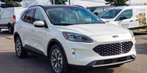 Ford Escape titanium màu trắng 2021