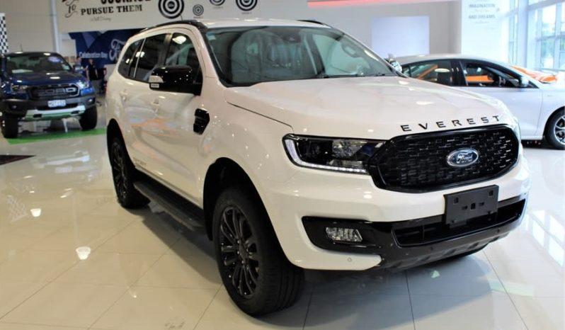 Ford Everest Sport màu trắng mới đẹp 2021