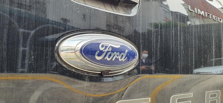 Camera Ford Ranger Limited 4x4 Màu Xanh đen