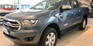 Ford Ranger XLT 4x4 Màu Xanh Thiên Thanh