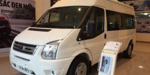 ford transit tiêu chuẩn màu trắng