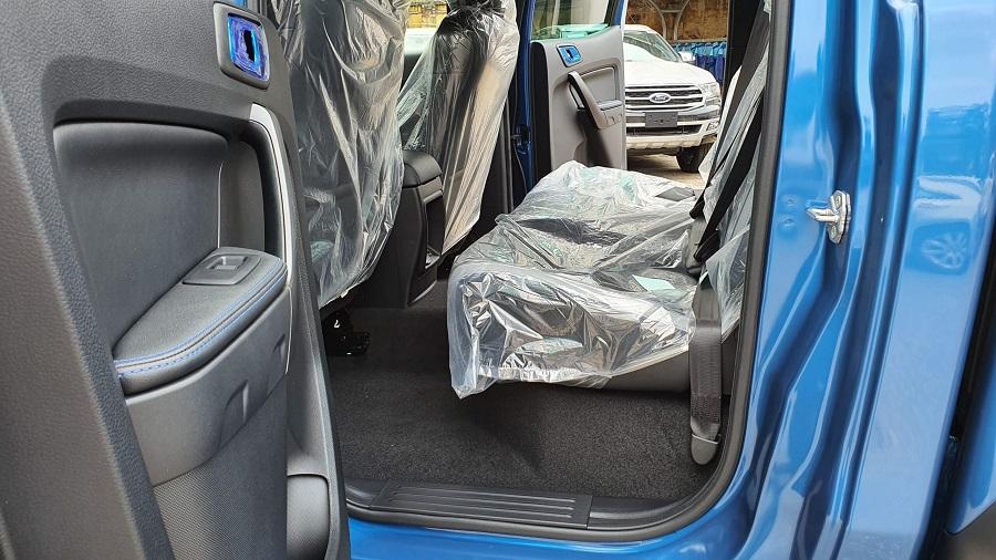 Gàng ghế sau Của Ford Ranger Raptor 2021