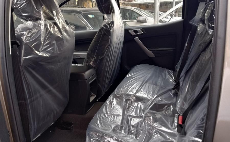 Nội thất Ford Ranger XLT 4x4 AT 2021