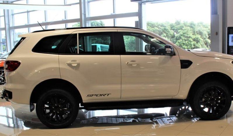 Thiết kế bên ngoài Xe Ford Everest Sport 2021 màu trắng