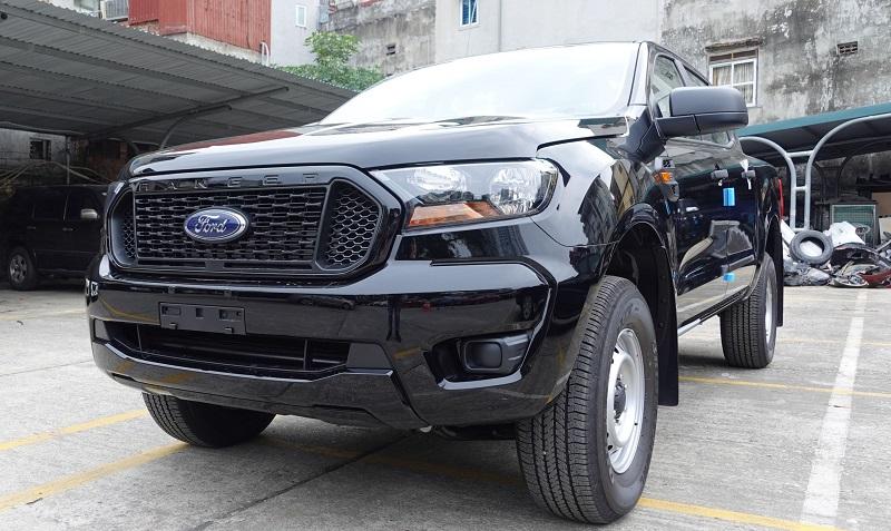Ford Ranger XL 4x4 MT 2021 2022 mới màu đen, đây là bản thiếu 2 cầu màu đen