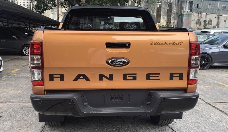 Hình ảnh ngoại thất Ford Ranger Wildtrak Bi-Turbo 2021 2022 mới màu đỏ cam tại Ford Hà Đông