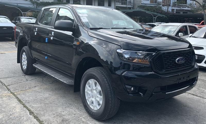 hình ảnh ngoại thất ford ranger XLS MT 2021 2022 mới màu đen tại ford hà đông