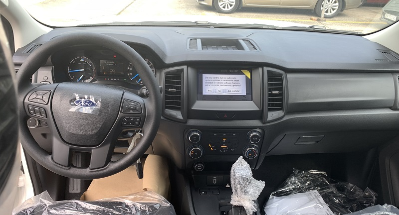 hình ảnh nội thất ford ranger XLS MT 2021 2022 mới màu đen tại ford hà đông