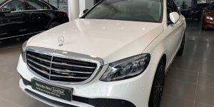 Mẹc Mercedes c200 cũ đã qua sử dụng màu trắng