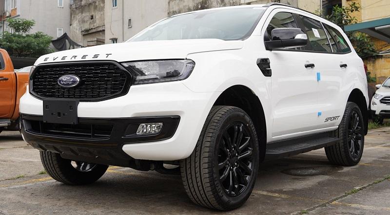 Ford Everest Sport 2022 Mới Màu Trắng