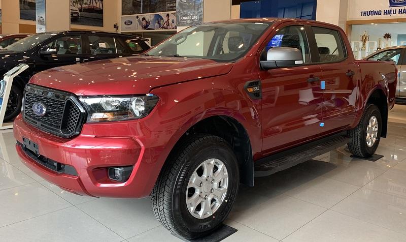 Ngoại Thất Xe Ford Ranger XLS 2022 Mới Màu Đỏ